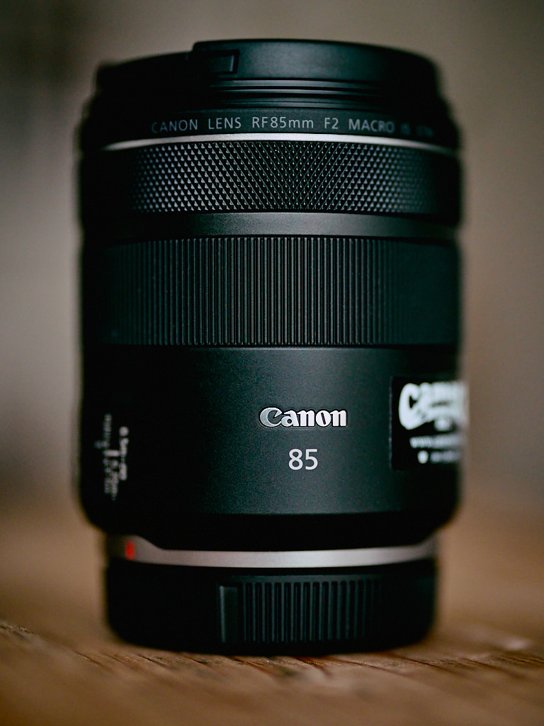 Canon RF 85mm F2 IS STM macro review lens 1